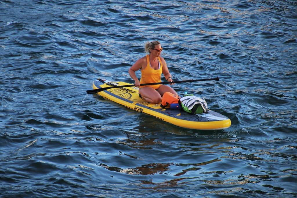 Paddle Board Gear Checklist for All Weather Conditions 1
