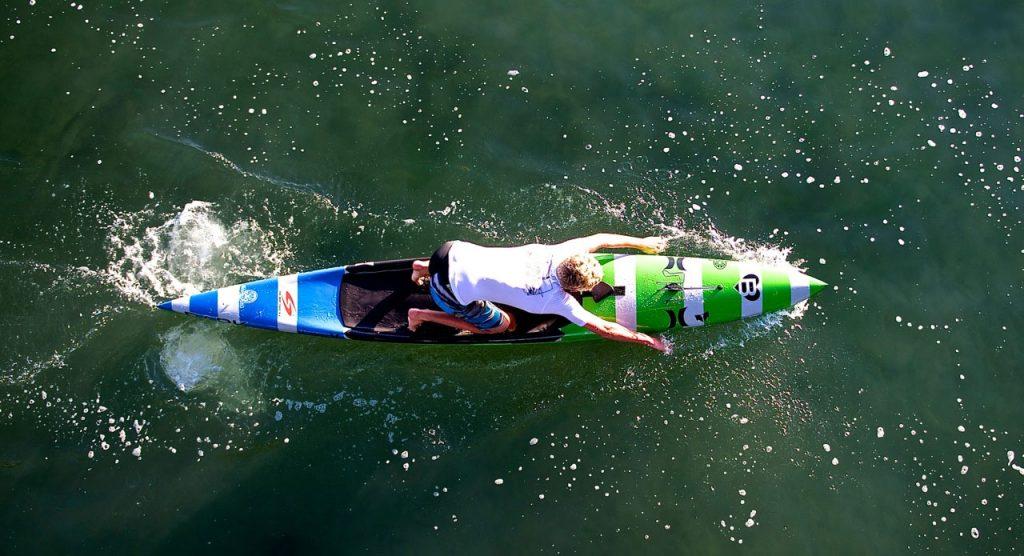 prone-paddle-boarding hand paddeln