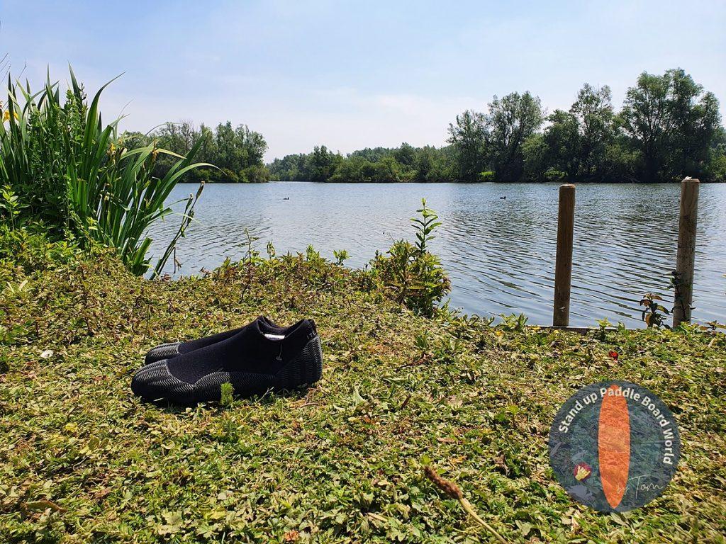 Decathlon-beste-waterschoenen-achtergrond