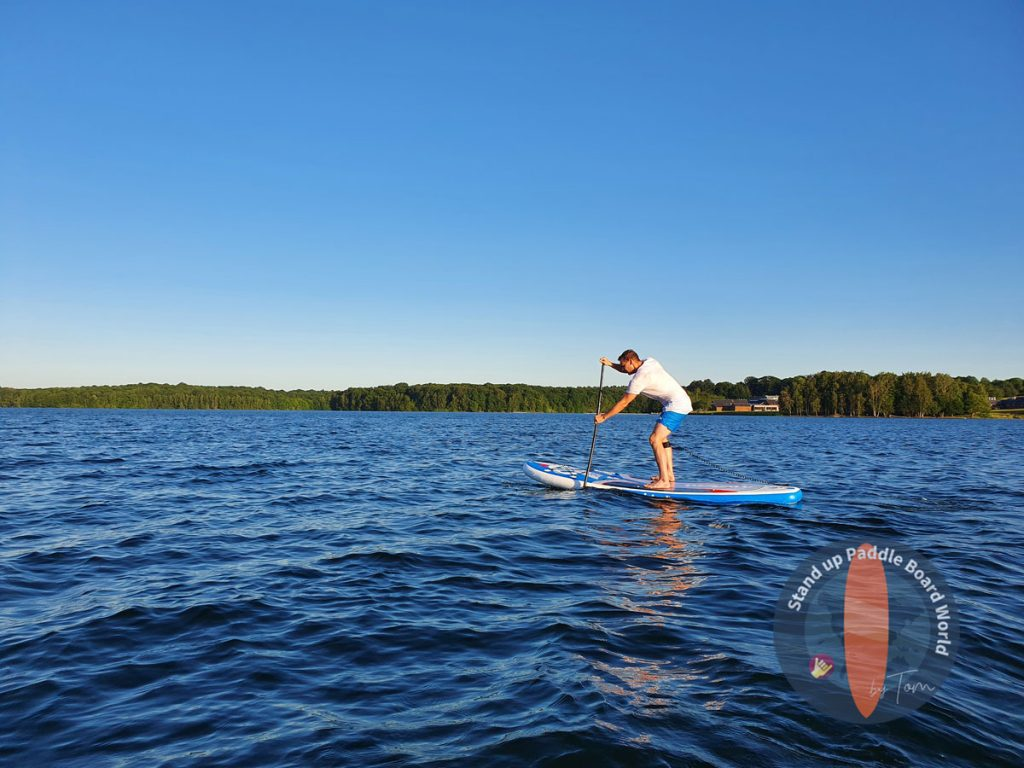 Tom-Paddle-Position how to hold a paddle board paddle
