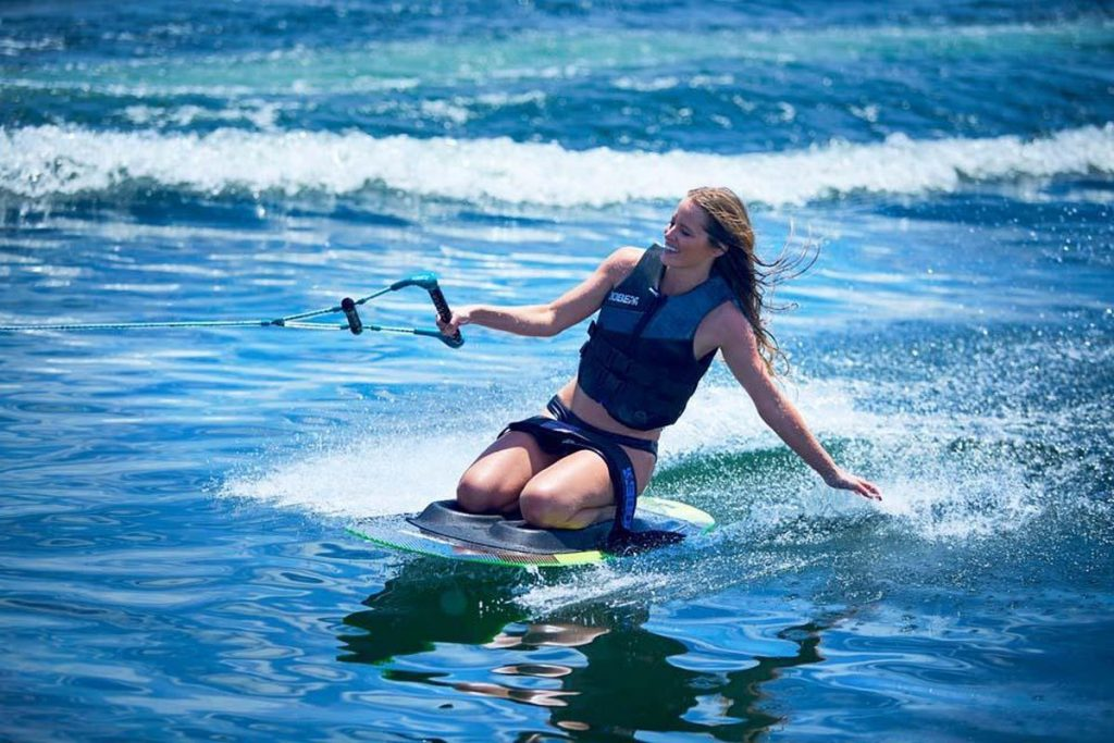 Jobe-Stage-Kneeboard-Action