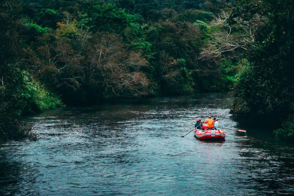 Bateau gonflable rivière