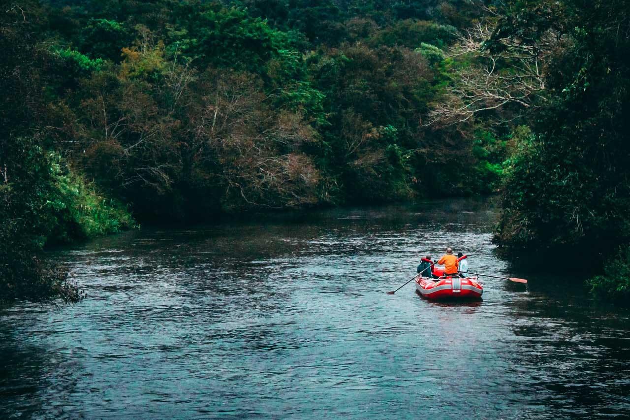 Un bateau gonflable pour sortir sur l'eau 6
