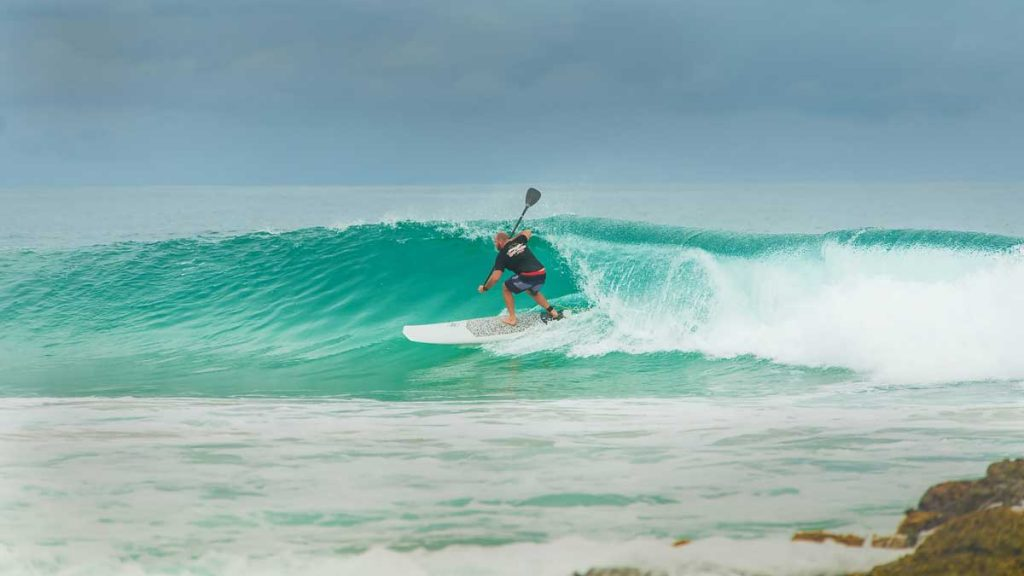SUP-Surfing-Waveriding