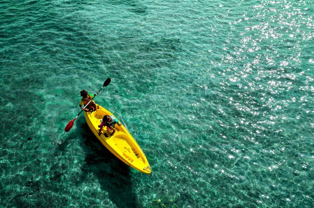 Tandem-Kayak-Clear-Water