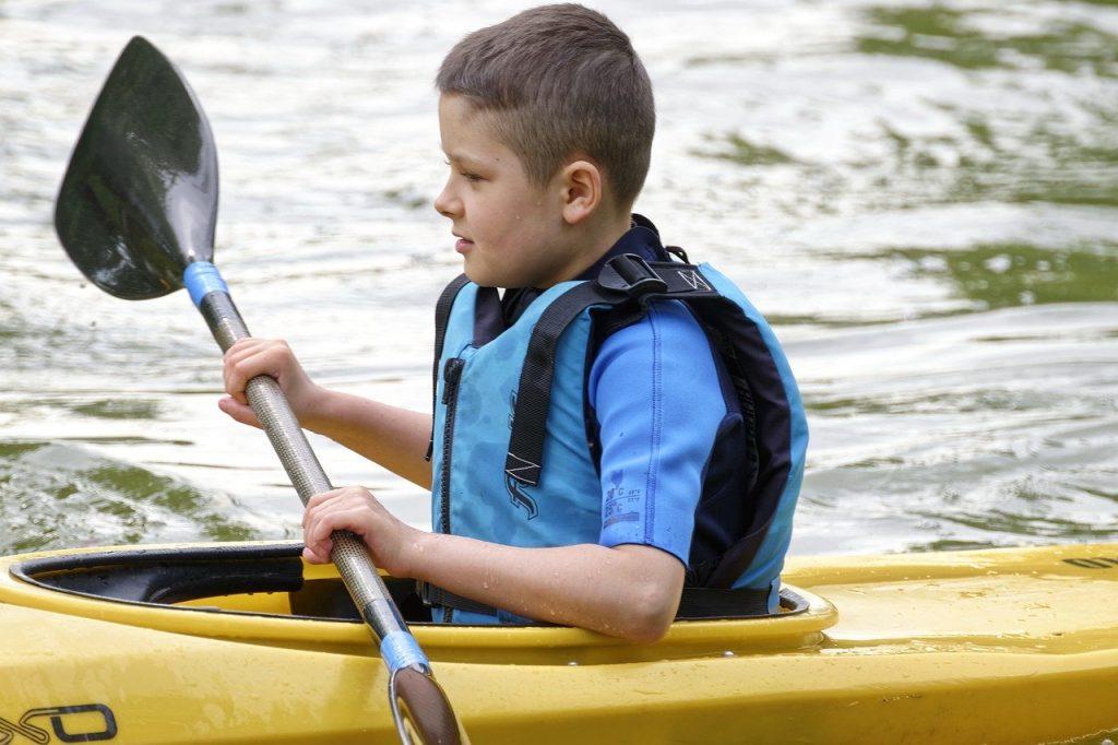 child-kayak-paddle