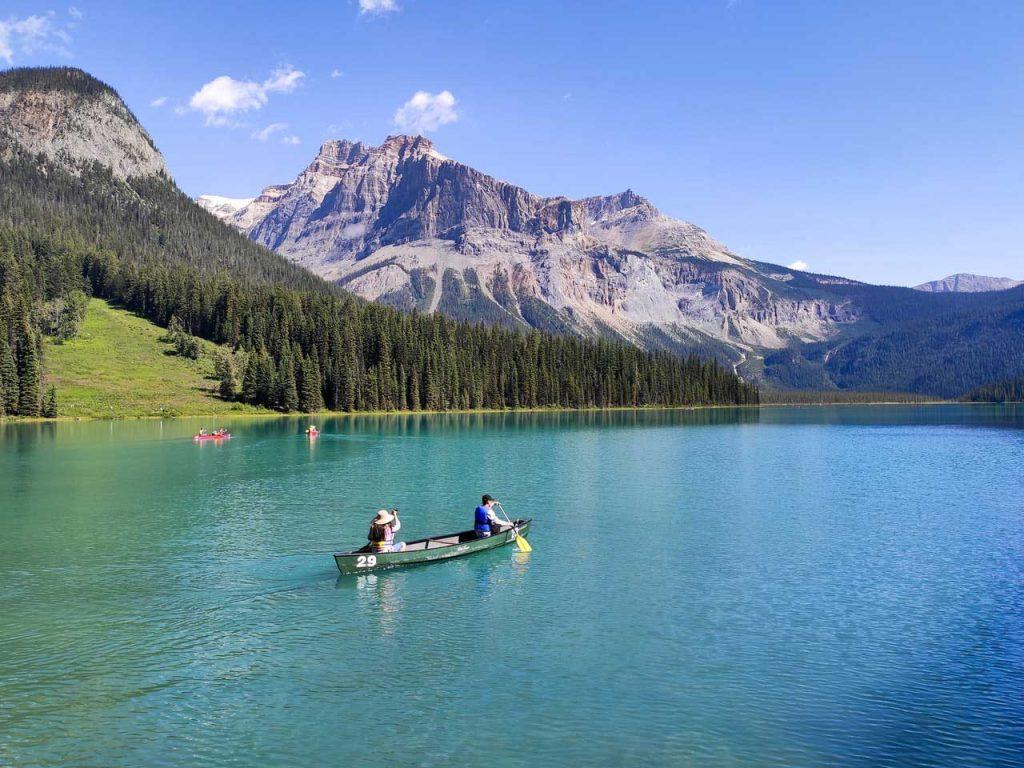 Canoe-Paddling-Beautiful