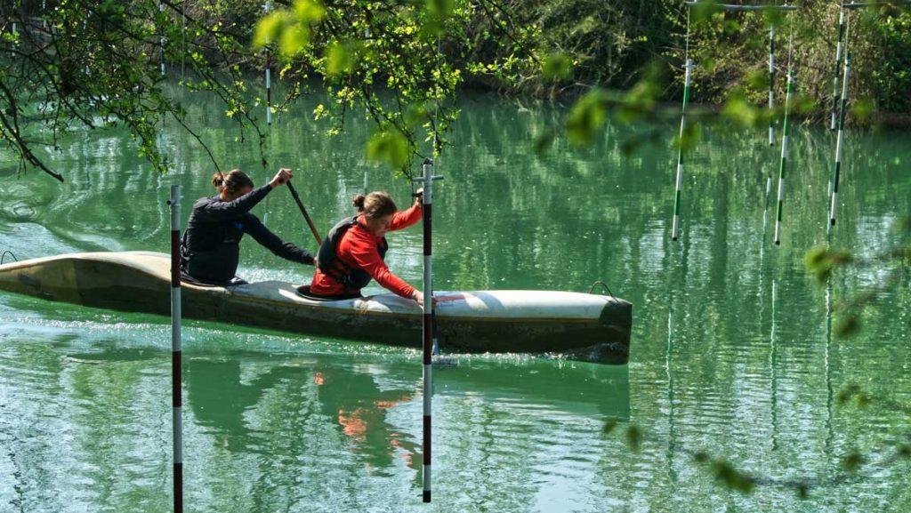 Canoe-Paddling-Couple
