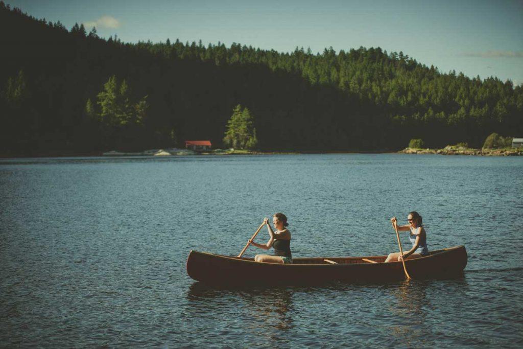 Canoe-Paddling-Girls