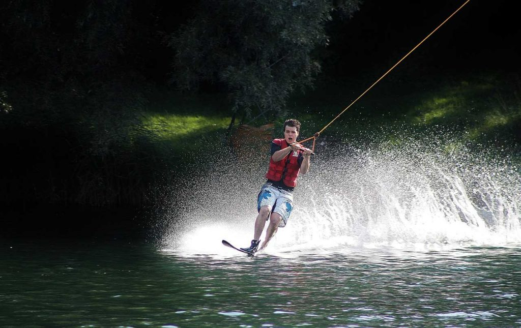 Water-skiing-action