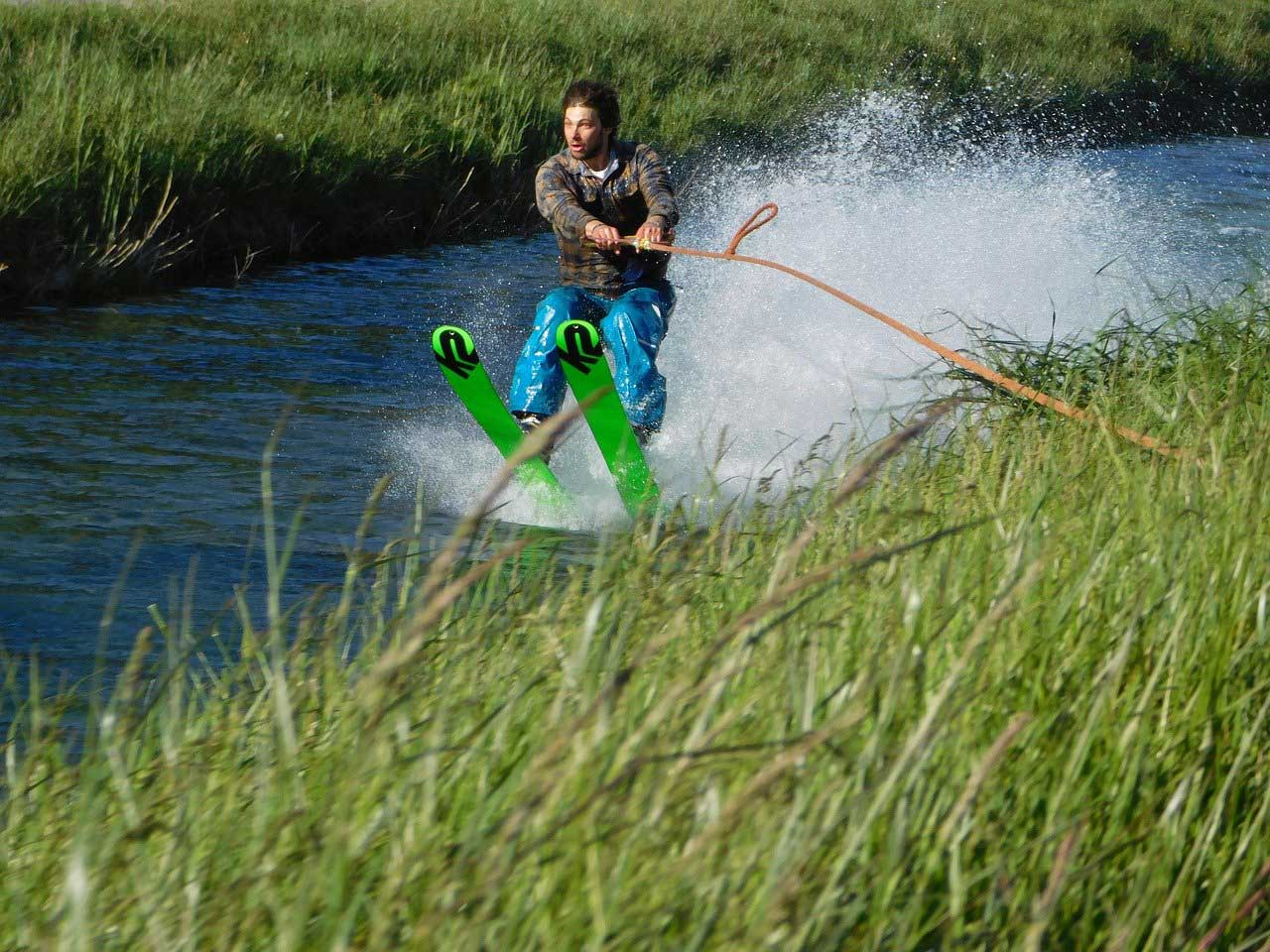 Water-skiing-grass