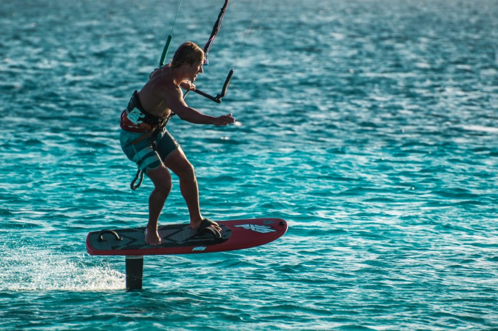 Kitesurf - navegando y levitando sobre el agua
