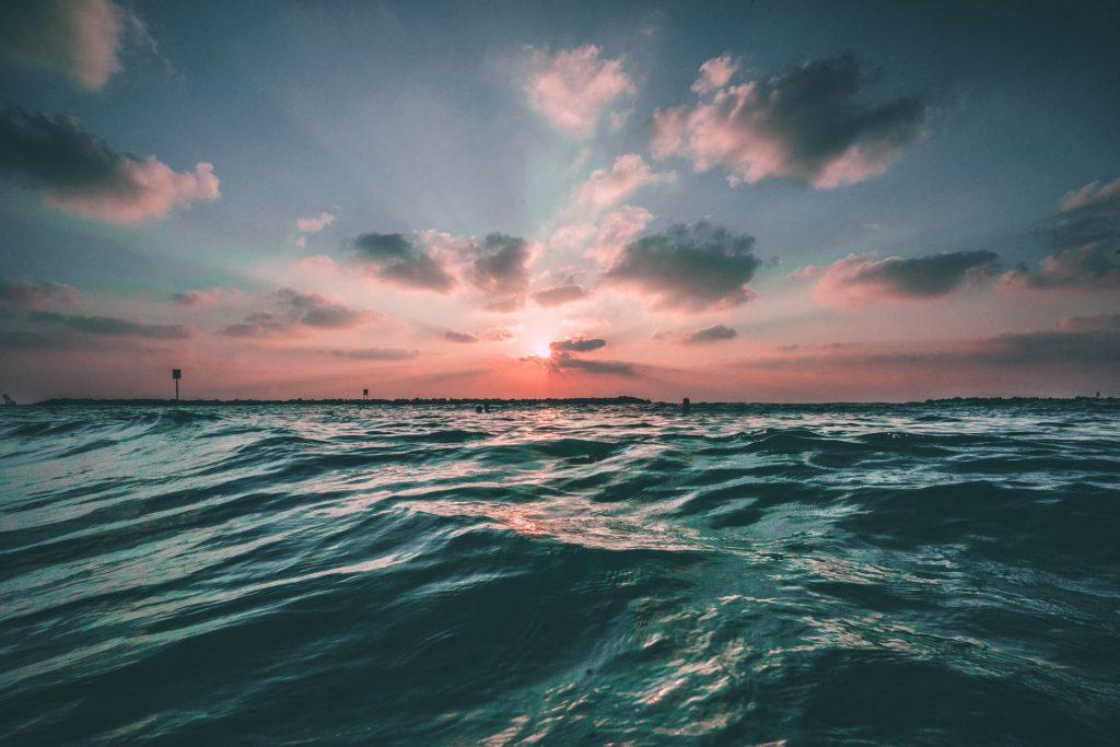 Kitesurf - Atardecer sobre un lago