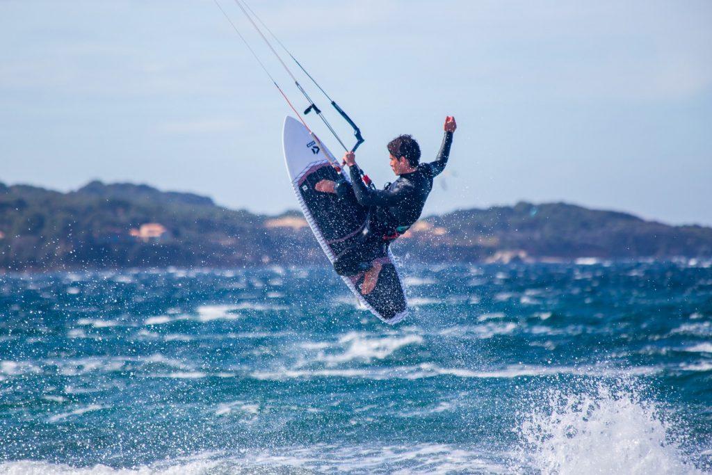 Kitesurf - Salto con pirueta
