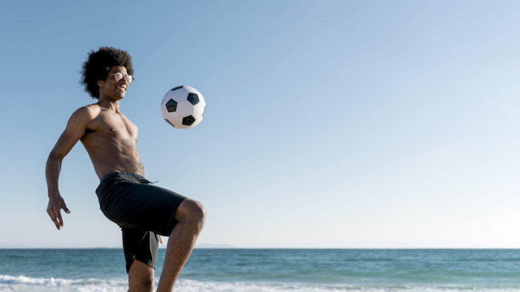 Movimiento de rodilla y muslo en futvoley
